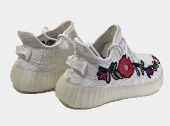 Фото Adidas Yeezy Boost 350 V2 by Kanye West белые - 1